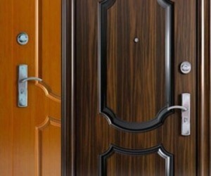 pravila-vyibora-vhodnoy-metallicheskoy-dveri-300x250